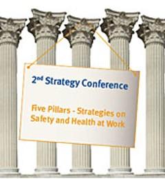Fünf korinthische Säulen