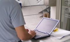 Arbeiten am Laptop