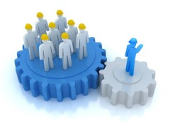 3D-Figuren: Vorgesetzte Person unterweist ihr Team