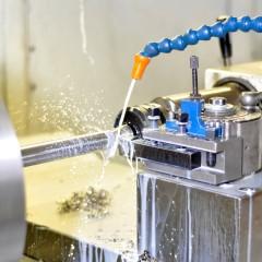 Einsatz von Kühlschmierstoffen an einer CNC-Drehmaschine