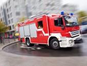 Feuerwehrauto in der Stadt