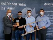Ulrich Lisson (zuständige Aufsichtsperson der BGHM) und die Preisträger Marcel Colombo, Dominik Kuschel, Florian Fritsch (v.l.n.r.).