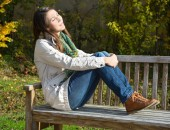Foto: Pause auf einer Parkbank (Jeanette Dietl - Fotolia)