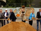 Erster Spatenstich für IFA Neubau (Bild: Schulz/DGUV)